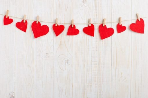 red-hearts-pegged-to-line