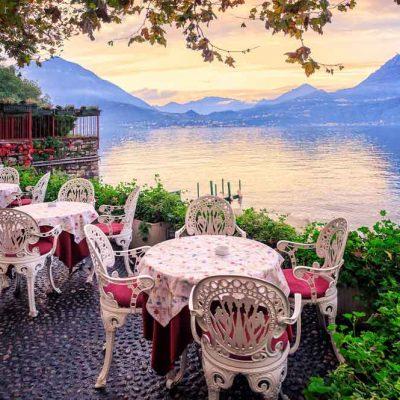 romantic-restaurant-lake